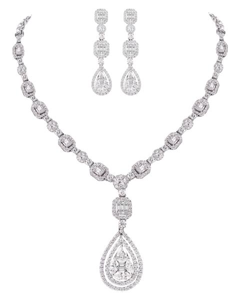 photo of diamond set