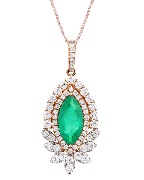 photo of emerald pendant