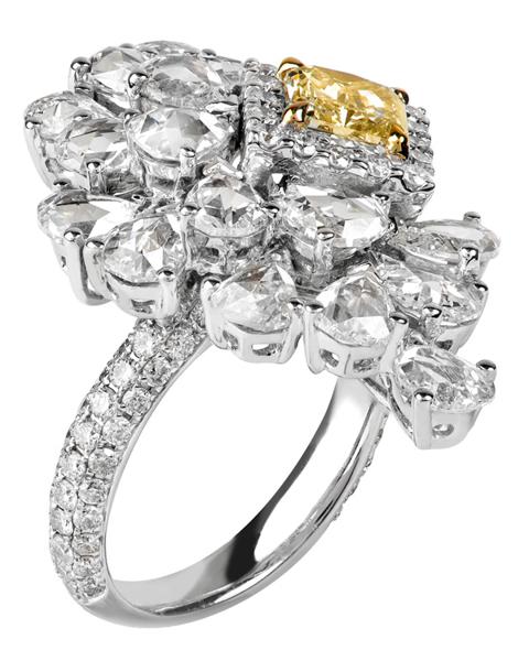 photo of leaf design ring